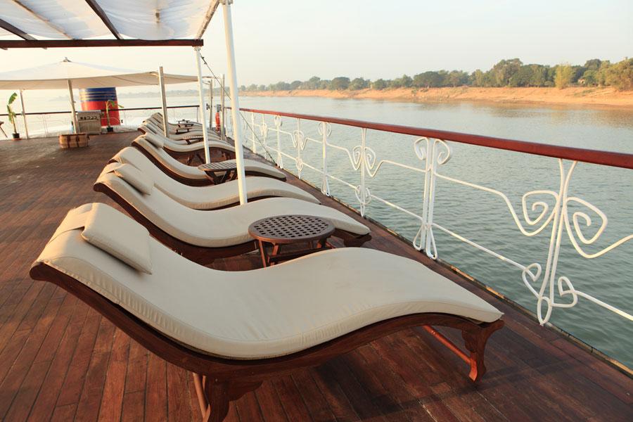 MV-Jayavarman-Cruise-sundeck