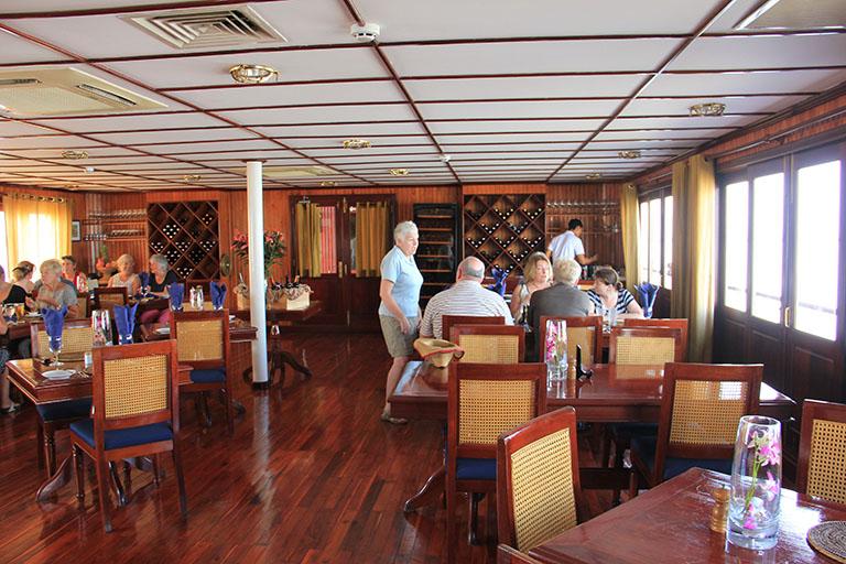 Pandaw- Cruise-Mekong-OP-Restaurant-2