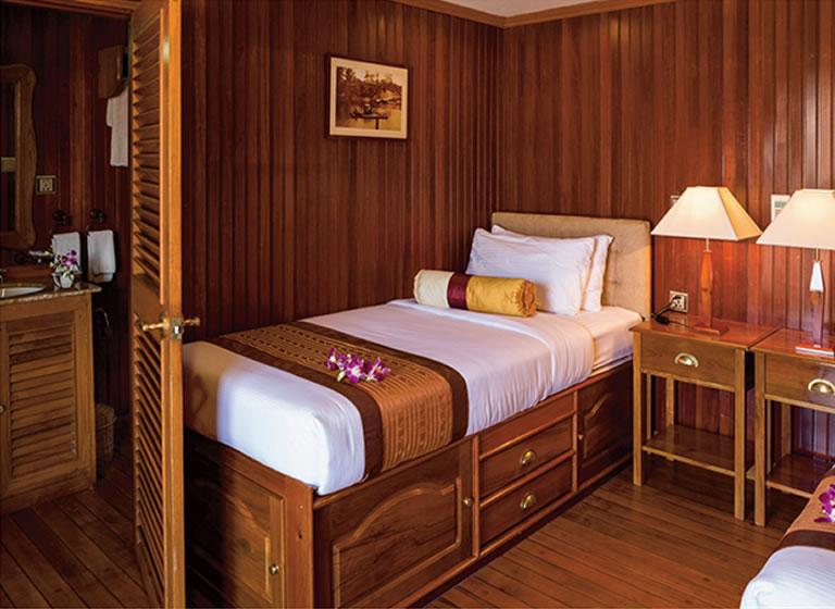 Pandaw- Cruise-Mekong-OP-Twin-Cabin-4