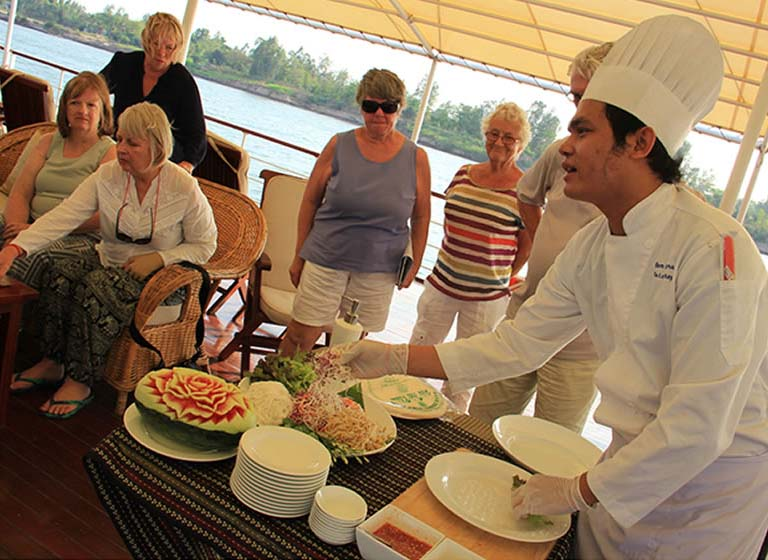Pandaw-Cruise-Mekonga-OP-Cooking-lesson