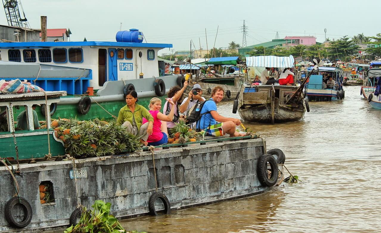 Tra-On-floating-market