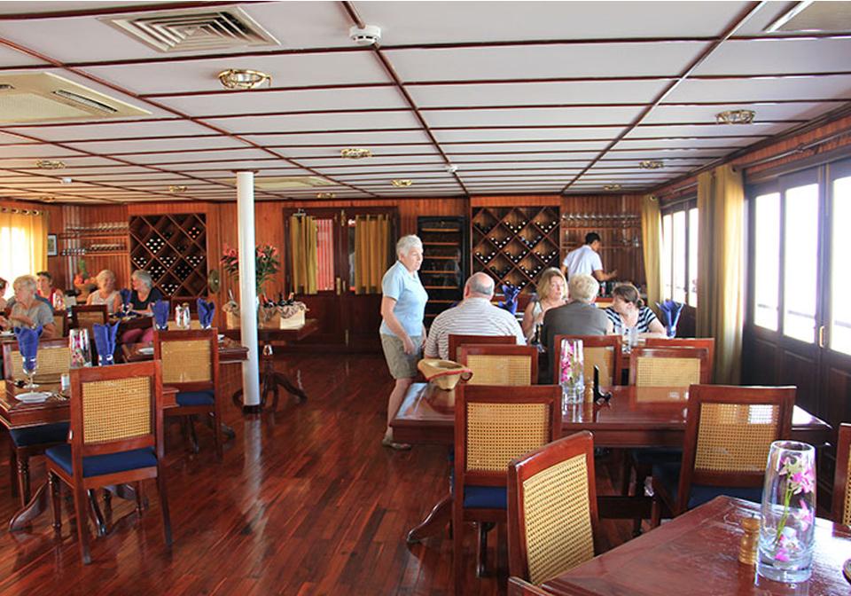 Pandaw Cruise Mekong restaurant