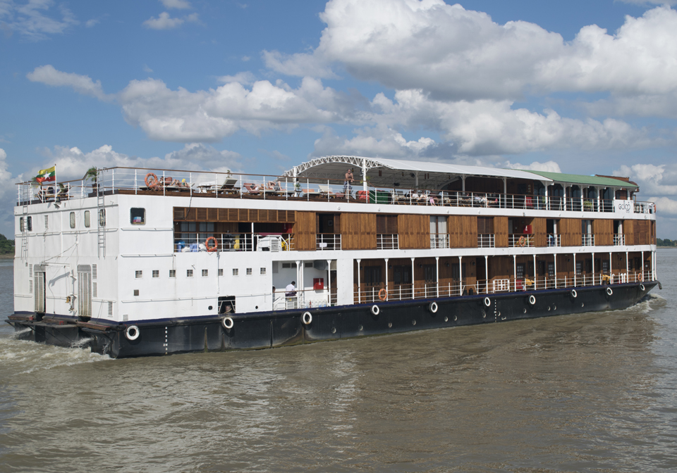 Pandaw Cruise Mekong view