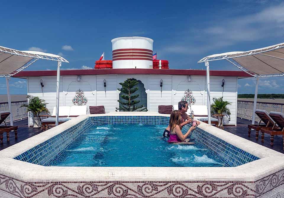 Jahan Cruise pool on the sundeck