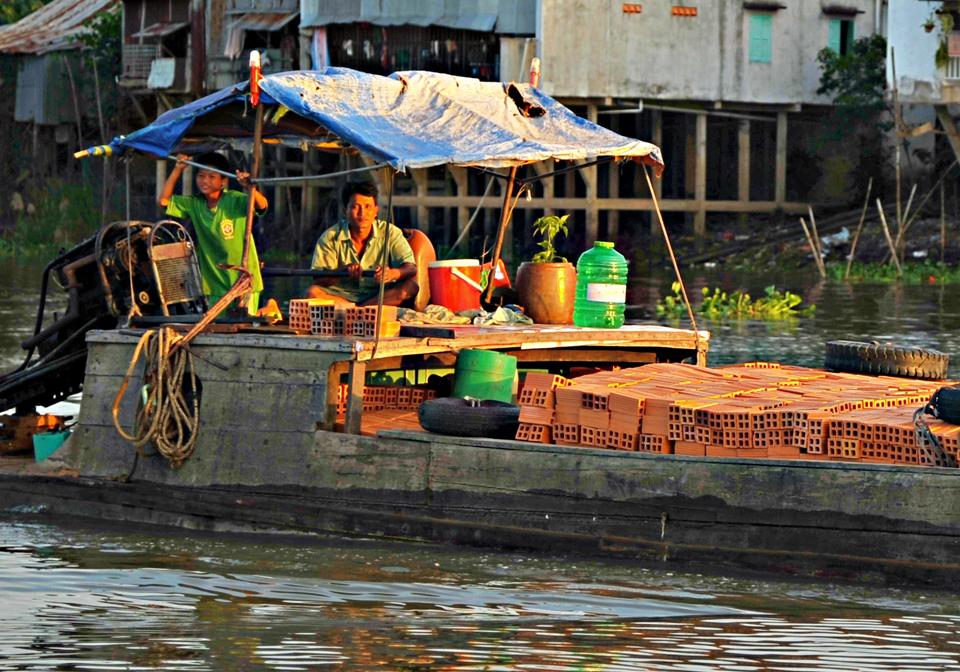Mekong Eyes Explorer local life