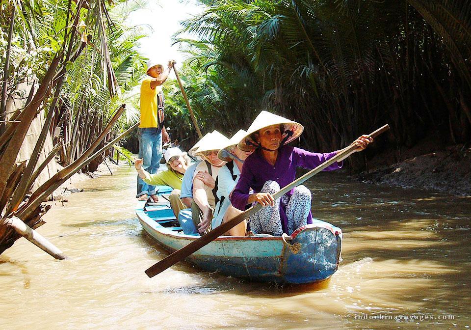 float Mekong river day tour