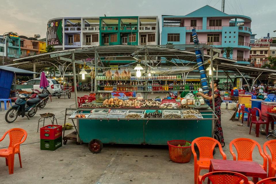 Mekong_delta_tour_vietnam_Ha_tien_night _market