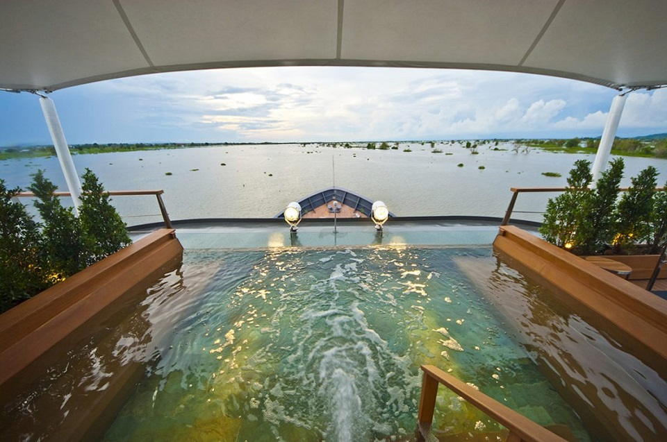 Aqua Cruise