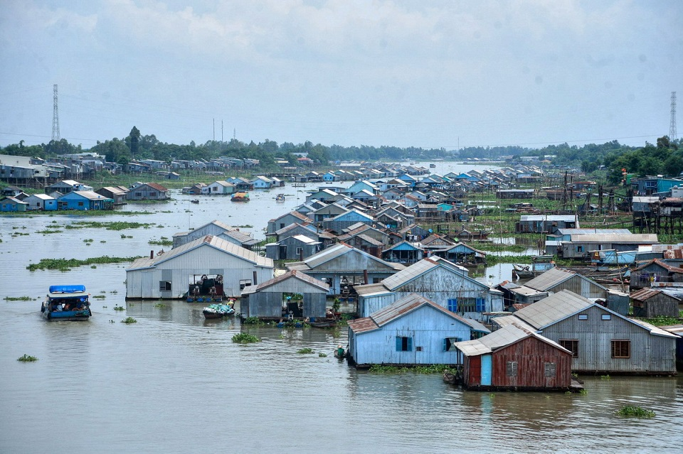 Chau Doc floating village