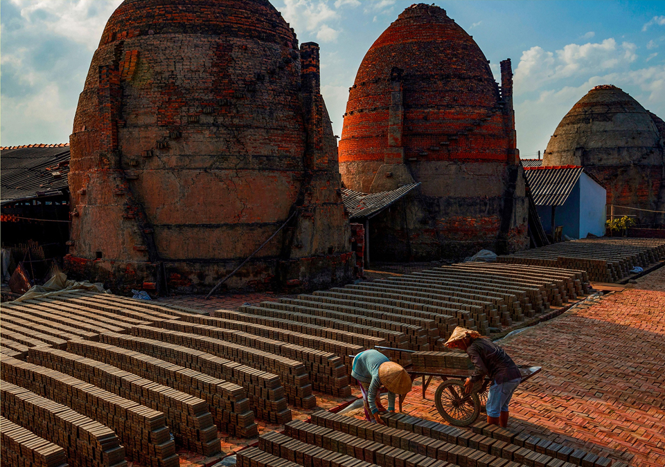 Vinh Long Vietnam pottery village