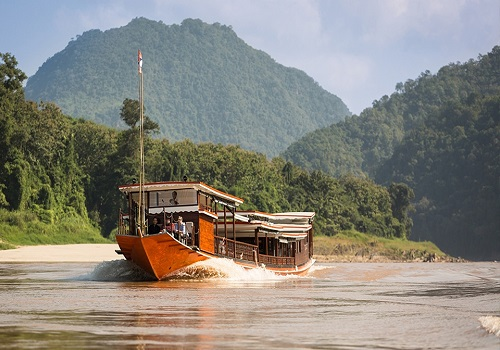 A great guide for cruising along Mekong River Laos
